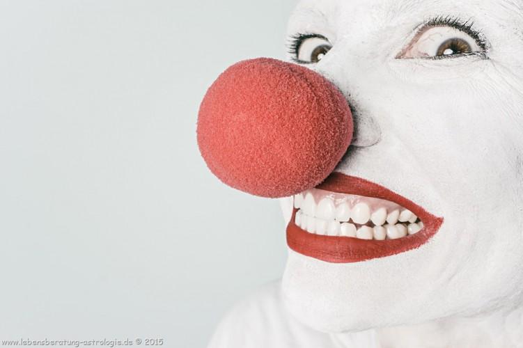 Lachen ohne Grund - mit Absicht